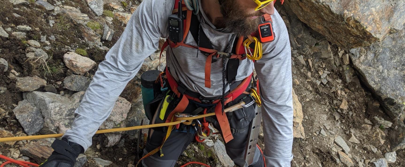 Prace budowlane na wysokości -jak wygląda system ochrony przed upadkiem z wysokości?